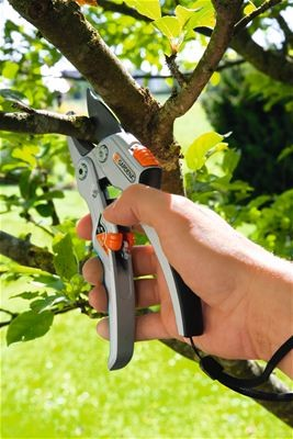 Gardena Ráčnové nůžky SmartCut comfort