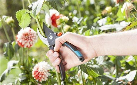 Gardena Zahradní nůžky B/M Comfort