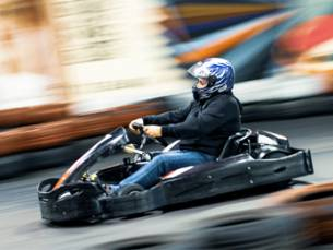 Karten bij Indoor Karting Middelburg
