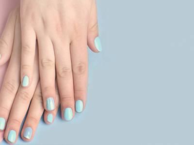 Gellak + nails art of acrylnagels of blushes