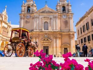 Verblijf in het hart van St. Julians in Malta incl. vlucht