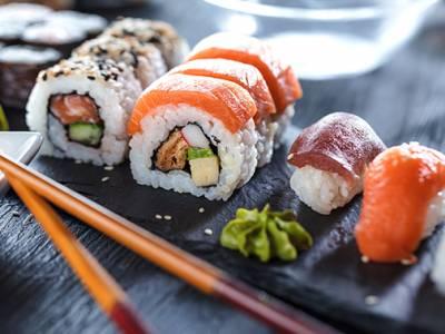 Shared dining sushidiner bij Umai Sushi To Go