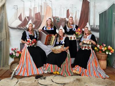 Foto in Traditionele Kleding Volendam