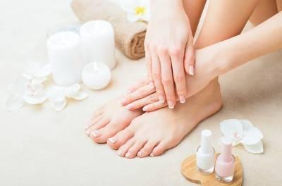 (Deluxe) hand- en voetverzorging bij Elina Beauty Clinic in het centrum van Zaandam