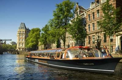 Rondvaart van 60 minuten over de Amsterdamse grachten met Rederij Lovers