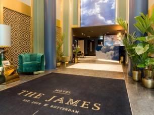Hartje Rotterdam: standaard tweepersoonskamer voor 2 personen incl. foodmarket-bon en fles Prosecco in hotel The James