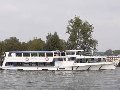 Rondvaart Zander Passagiersschip, inclusief zondagsbrunch of bbq