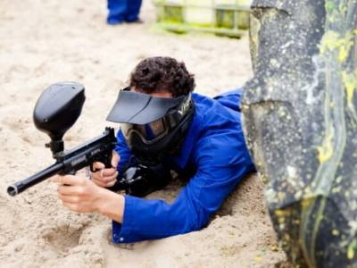 Speel een potje paintball of airsoft met vrienden, familie of collega's