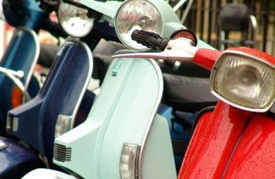 Maak je scooter zomerklaar bij Scooterspot in Amsterdam (vanaf € 14,95)
