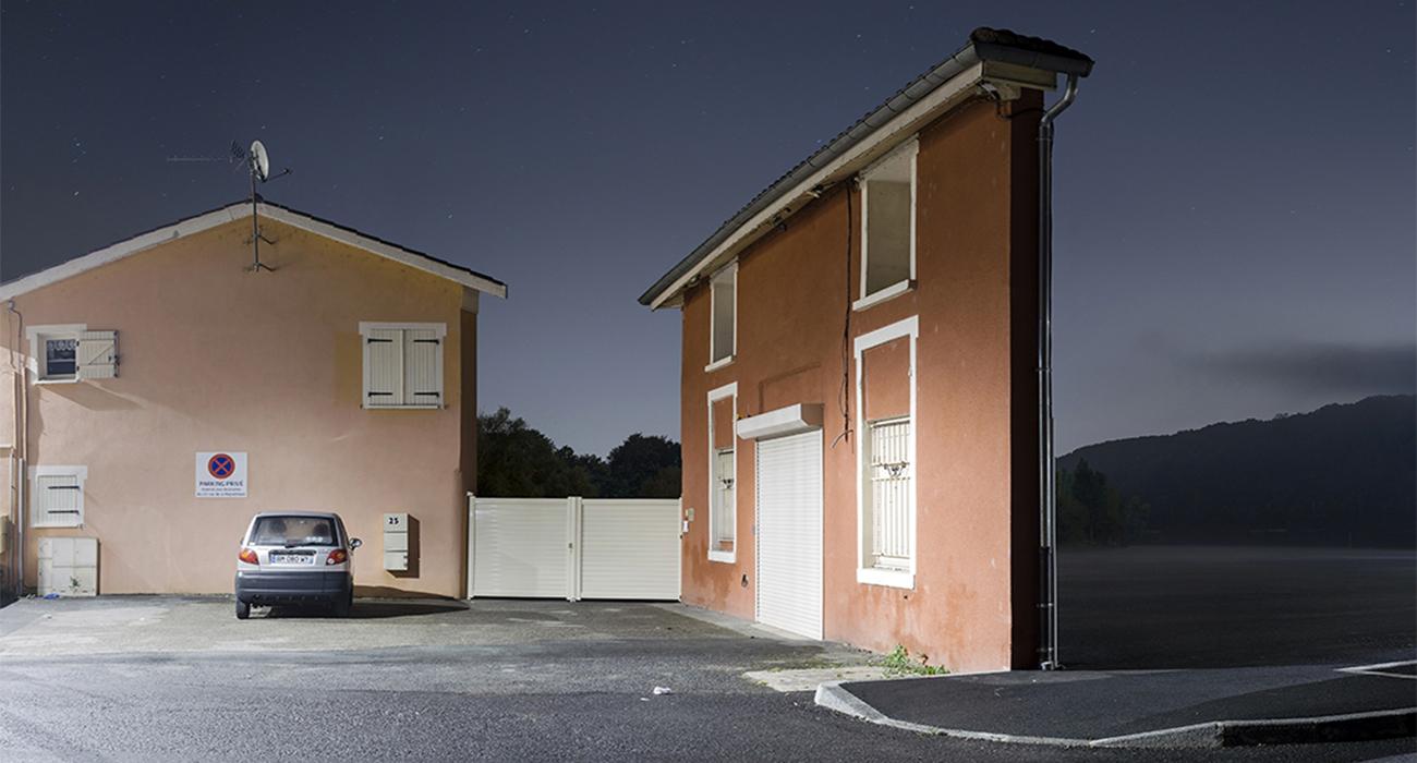Zacharie gaudrillot roy fotografa le case fatte solo di for Immagini facciate case