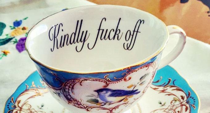 Tazze da tè offensive