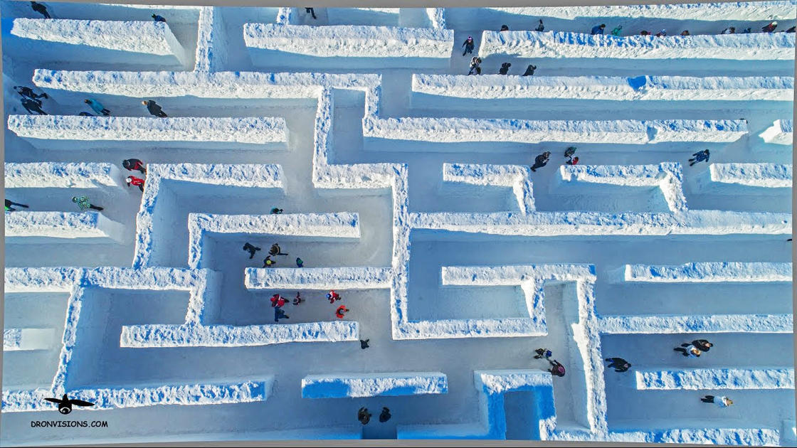 Labirinto di neve più grande del mondo in Polonia 1