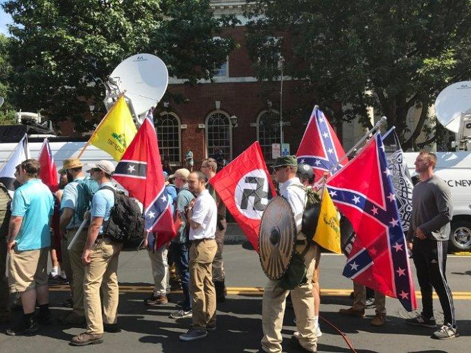Populismo neonazismo alt-right