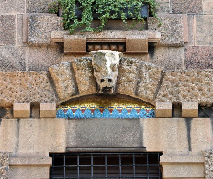 Palazzo-berri-maregalli-gotico-romanico-Liberty