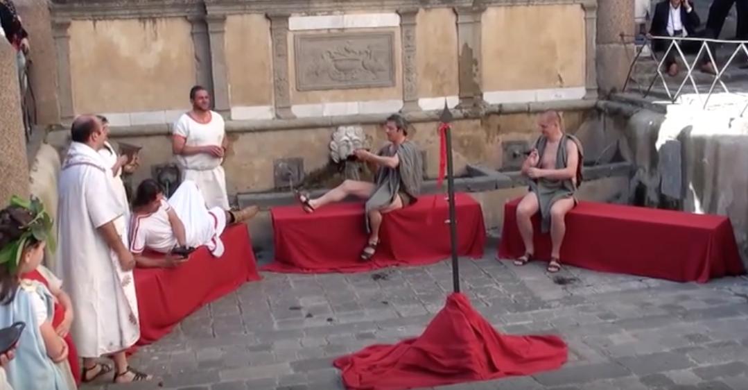 Come funziona il Kottabos, il gioco alcolico degli antichi greci
