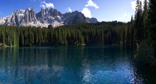 lago arcobaleno carezza