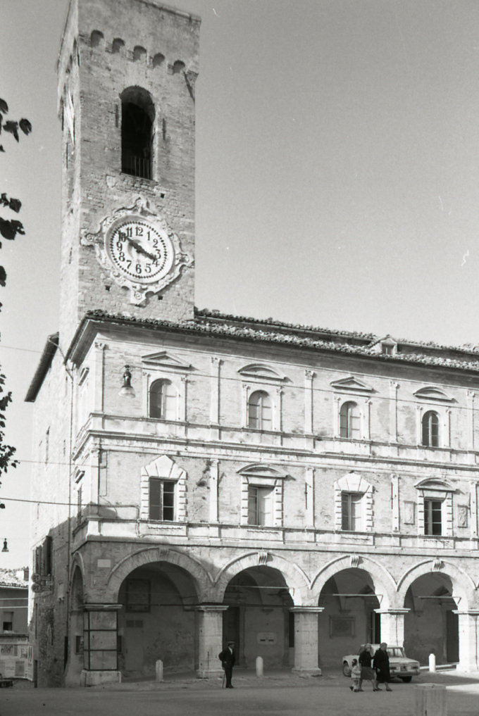 Cingoli-balcone-panoramico-romantico-Italia3