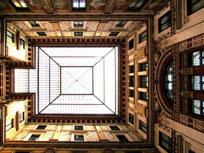 Galleria-Sciarra-Roma-tripudio-occhi 00