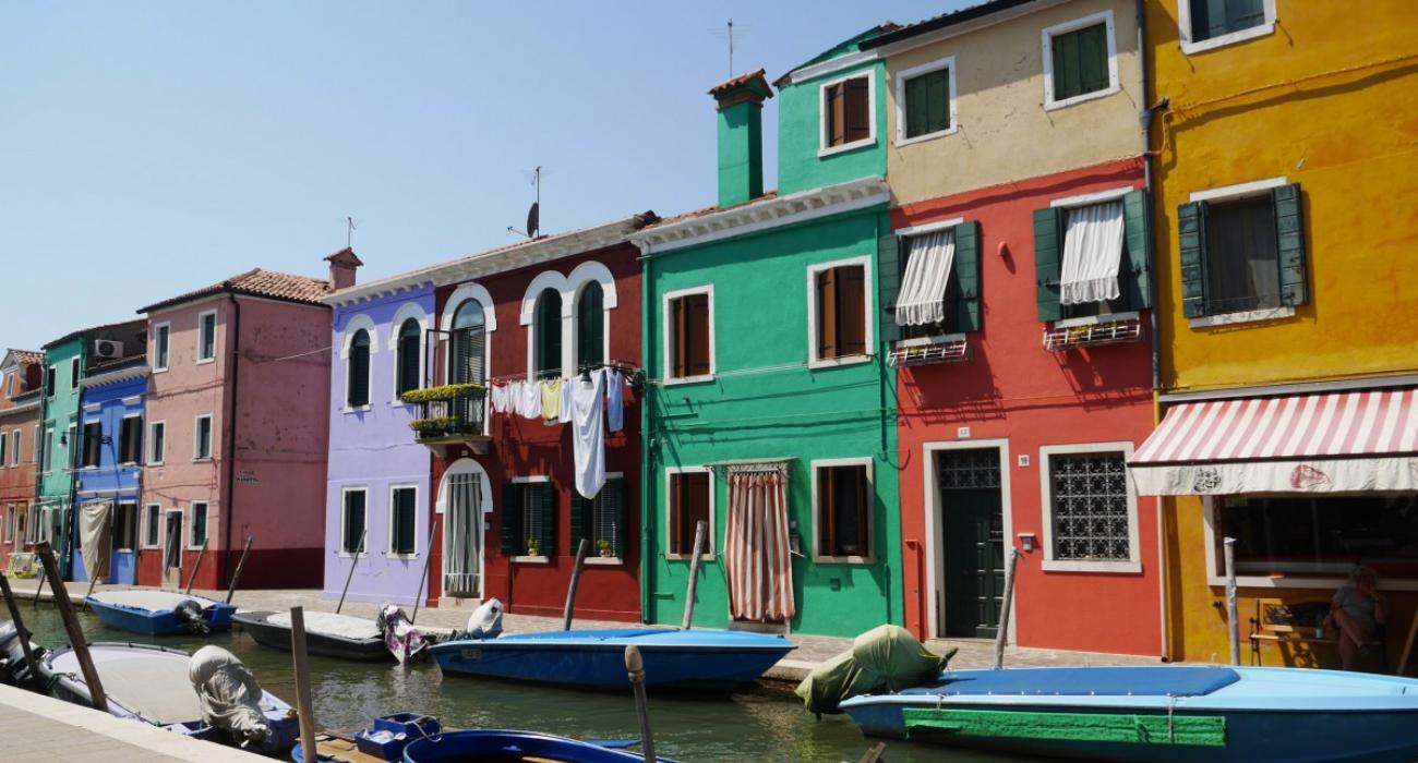 Borgo-colorato-Burano-provincia-Venezia-paradiso-fotografi0
