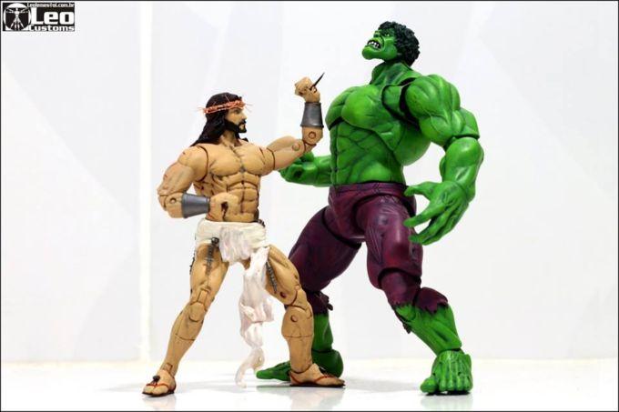 Spacca il deretano anche a Hulk
