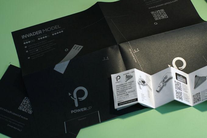 Dettaglio carta e manuale istruzioni PowerUp FPV