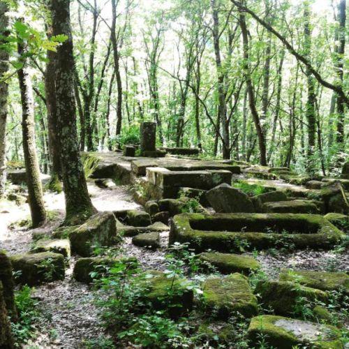 "<a href=""https://www.instagram.com/robyre1975/?hl=it"" rel=""nofollow"">Instagram</a>– Foto di Piramide Etrusca Bomarzo"