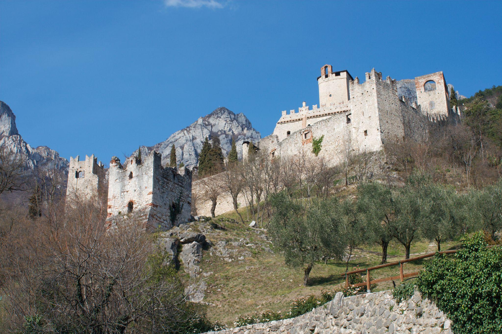 Musica, cibo, misteri e tanto vino: il Castello di Avio è tutto questo
