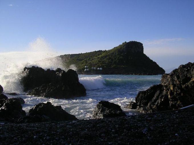 Foto dell'Isola di Dino (Praia a Mare - Cosenza), da Wikimedia