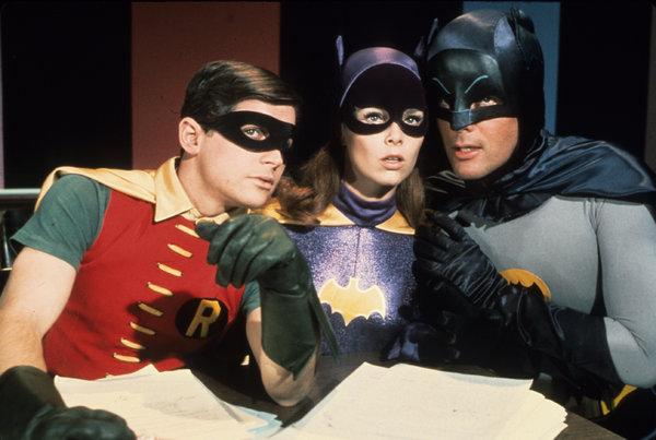 La volta che Adam West si è vestito da Batman ed è stato cacciato da un'orgia