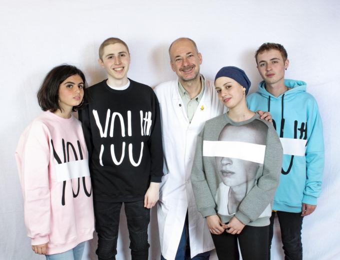 Alcuni dei ragazzi coinvolti nel progetto con Andrea Ferrari, responsabile del Progetto Giovani