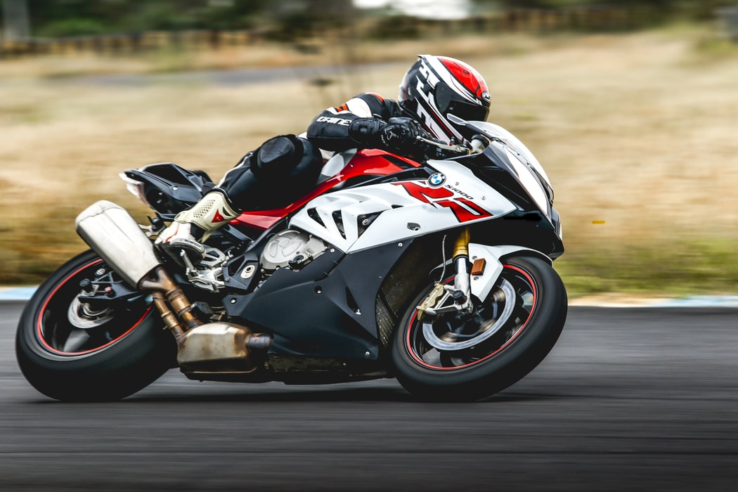 Più tecnologia, meno rischi: i nuovi sistemi di sicurezza per le moto