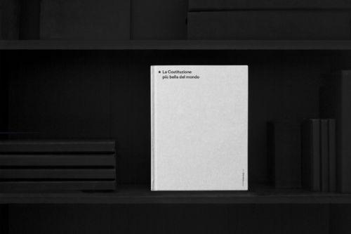 """""""<em>Il progetto finito diventerà questo sito. E magari un libro o una mostra itinerante. Sarà il contributo dei creativi affinché questi anni '20 siano pieni di bellezza, comprensione, senso e umanità</em>."""""""