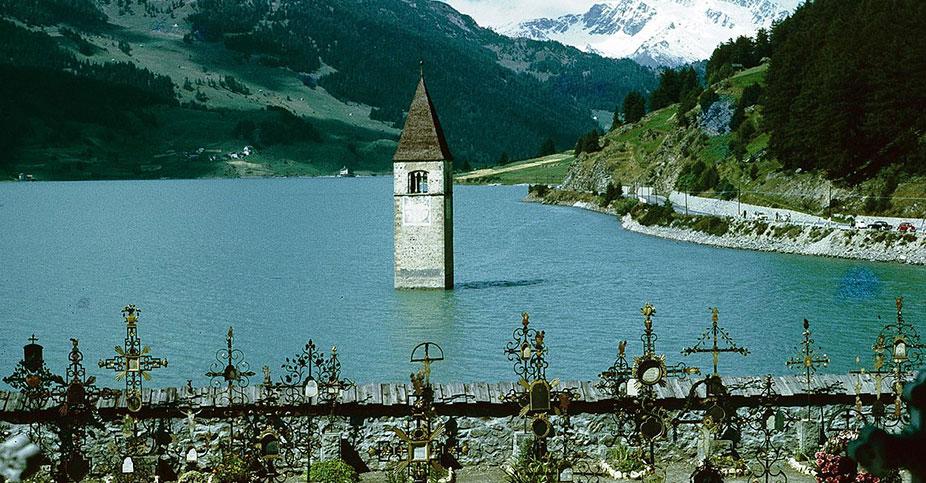 Tutto su Curon Venosta, il paese del campanile sommerso dal lago
