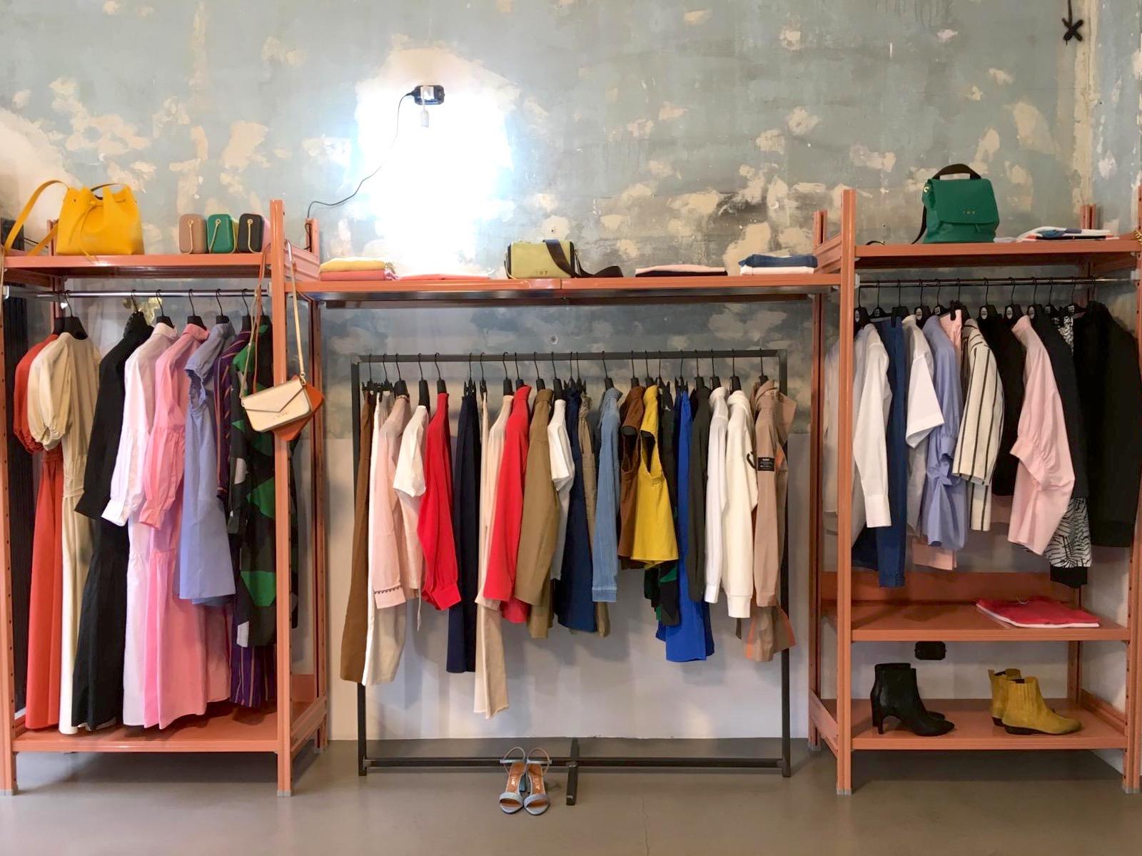 Arredi Castellani Shop, il made in Italy per ufficio, industria e negozio