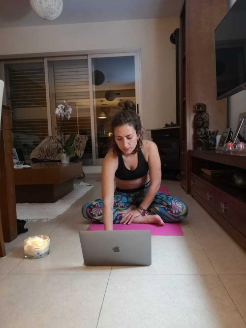 Condividere le proprie passioni vuol dire anche incontrarsi durante una seduta di yoga