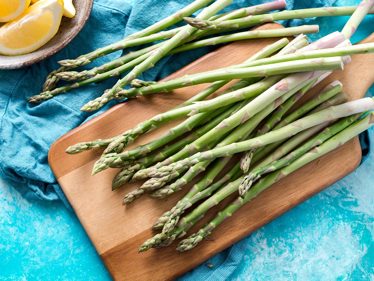 Arriva febbraio: è il momento della zuppa di asparagi con pecorino