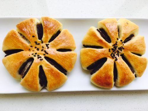 I tipici Anpan ai fagioli azuki con sesamo nero