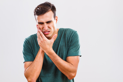 How to manage dental pain until you can see a dentist  (COVID-19 pandemic)