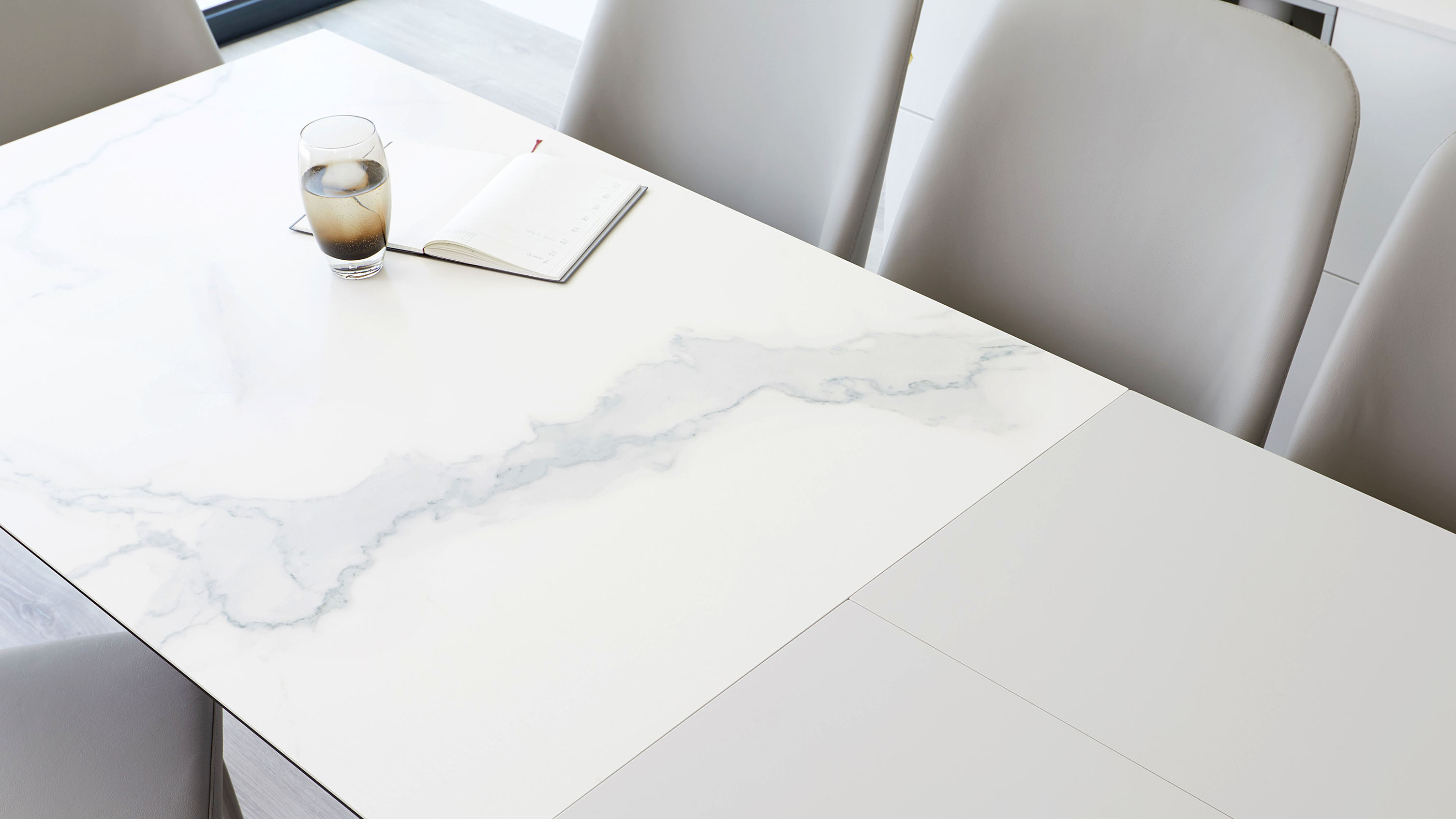 Ceramic Table Papirio