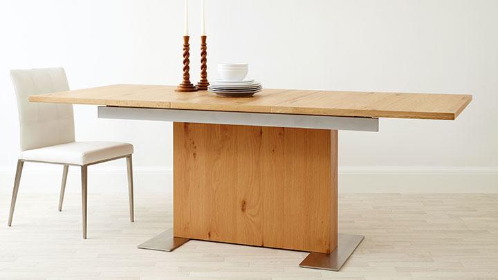 Oak extending dining table oak veneer 4 8 seater uk for Danetti dining table