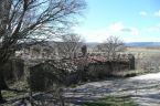 KOŽLJAK-stara kamena kuća za renoviranje u središnjoj Istri