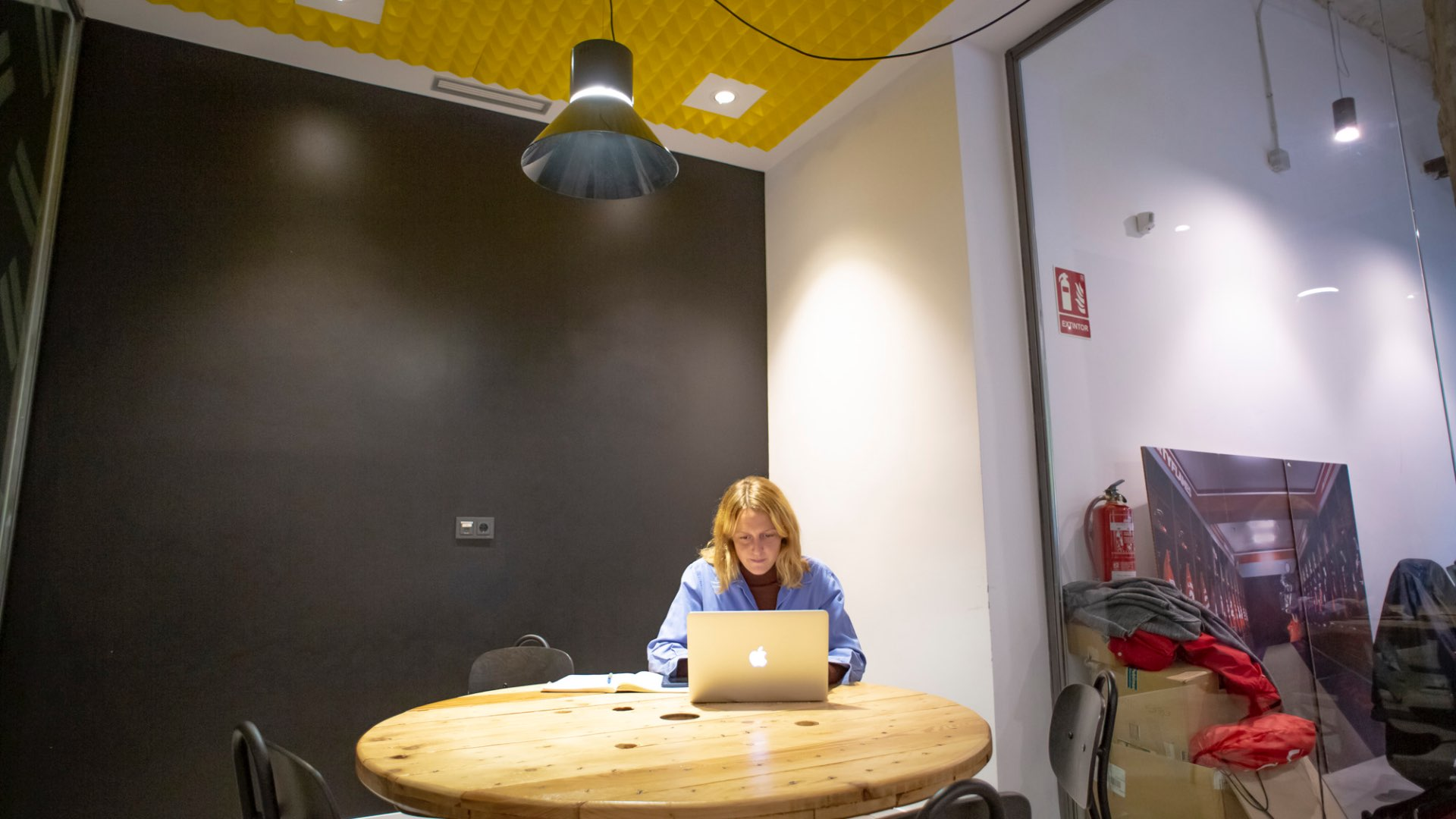 Picture 1 of a meeting room in coworking Barrabés Growth Space in Madrid