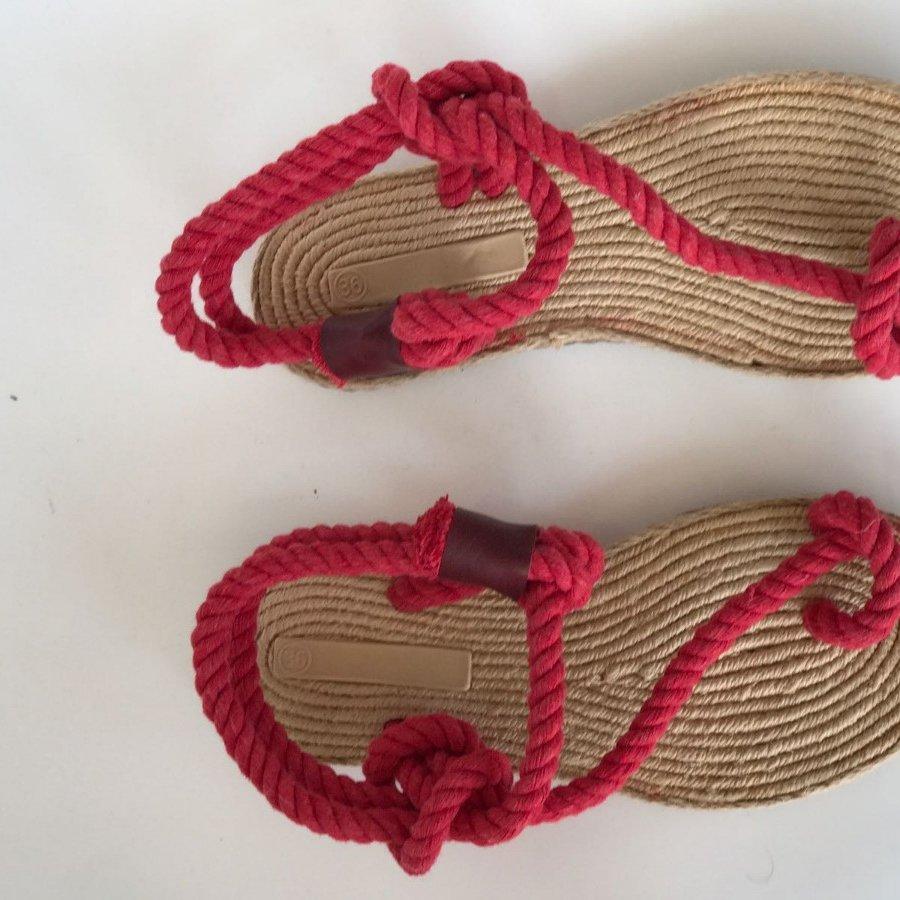 Liva F2 Kırmızı Örgü Sandalet