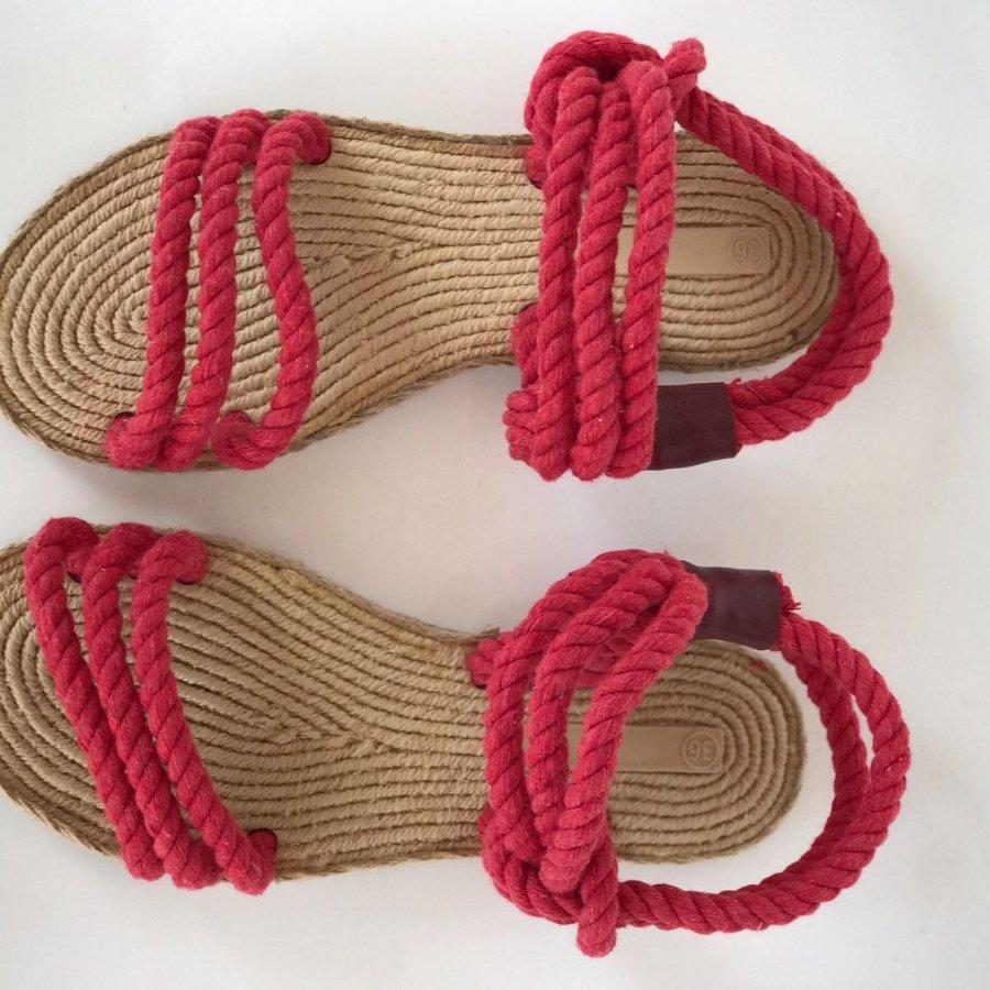 Liva F7 Kırmızı Hasır Örgü Sandalet
