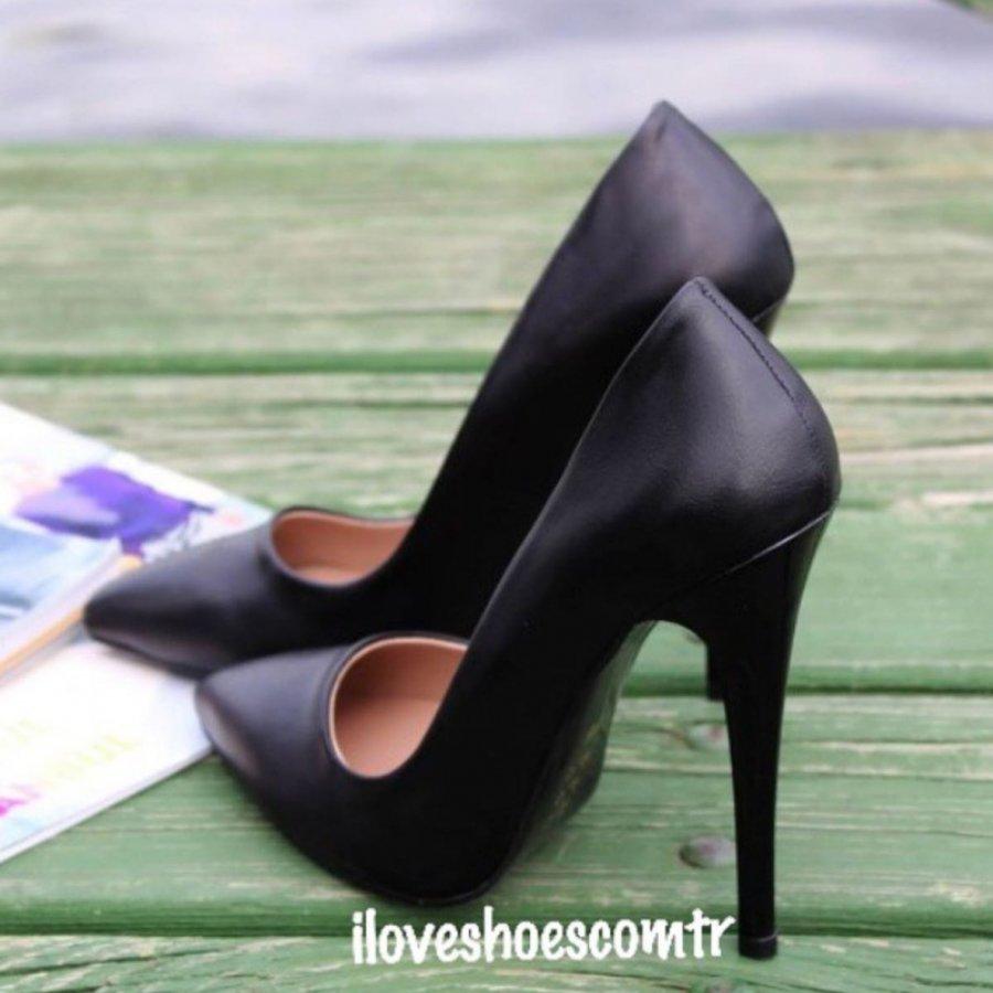 Barbie Siyah Cilt Stiletto Ayakkabı