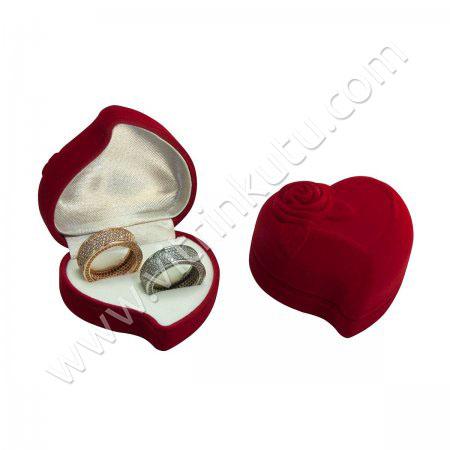 Kalpli Alyans Kutusu 6x6 cm Gül Kabartmalı Kırmızı