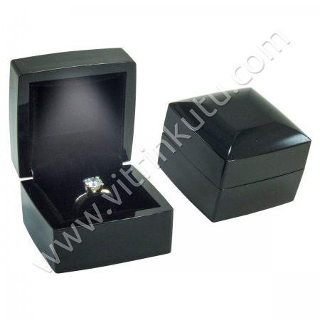 Işıklı Tırnaklı Yüzük Kutusu Ahşap  6x6 cm Siyah