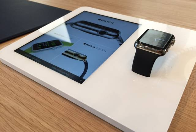 Die neue Apple Watch im Apple Store am Ku'damm