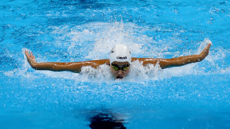epa05459151 Yusra Mardini of the Refugee Olympic Team (ROT) competes in the women's 100m Butterfly Heats of the Rio 2016 Olympic Games Swimming events at Olympic Aquatics Stadium at the Olympic Park in Rio de Janeiro, Brazil, 06 August 2016. EPA/ESTEBAN BIBA +++(c) dpa - Bildfunk+++ (Foto: dpa)