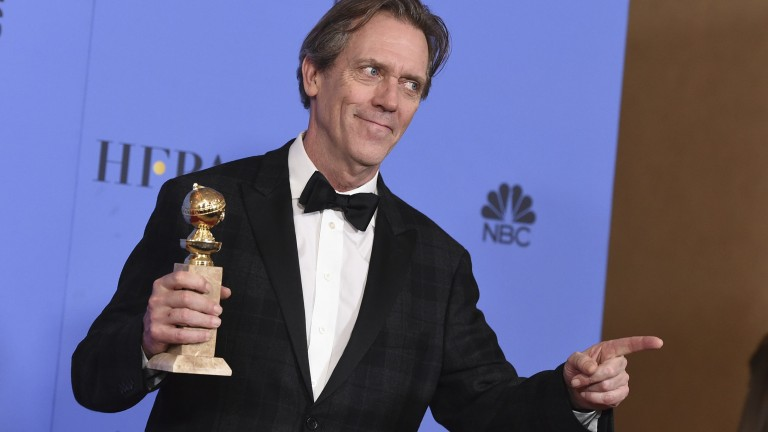 "Der Golden Globe für die beste Nebenrolle in einer TV-Serie geht an den britischen Schauspieler Hugh Laurie für seine Rolle als Richard Onslow Roper in ""The Night Manager""."